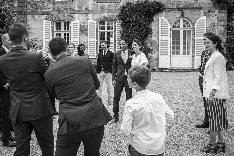 Mariage-Bretagne-Chateau-Montmuran-mariés