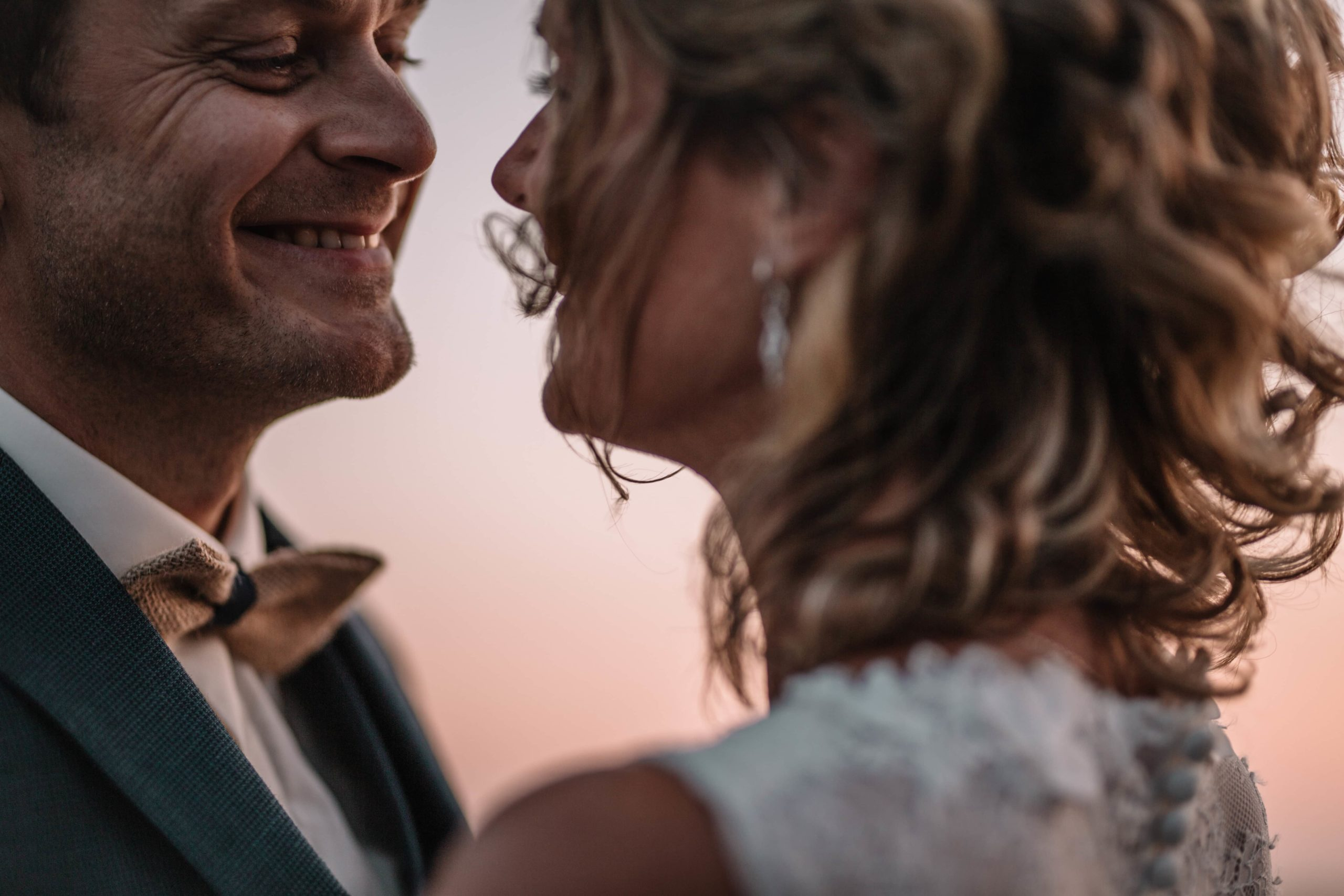 mariage-bretagne-couple-marié